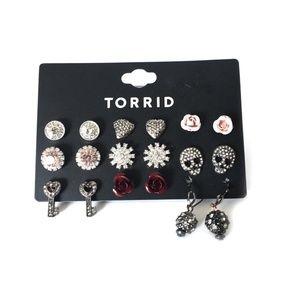 Torrid multi-pack stud earrings set.